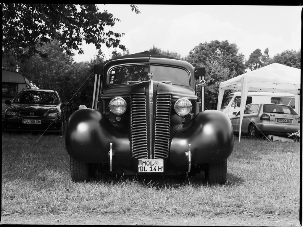 2015-07-18-Hotrod-Teterow-M645-80mm-TMAX100-XTol11-7.jpg